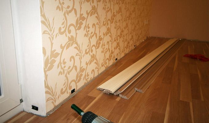 Установка деревянных плинтусов своими руками
