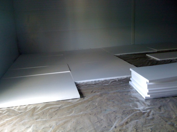 Процесс утепление бетонного пола в частном доме