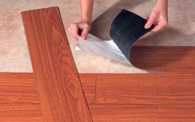 Виниловые покрытия выпускается в нескольких видах