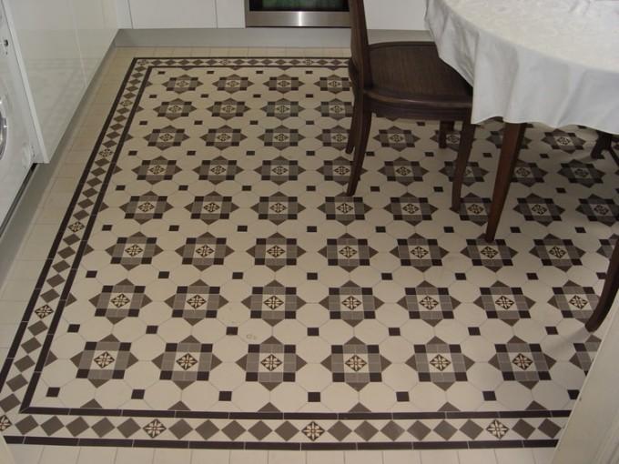 Метлахская плитка в помещении смотрится очень оригинально