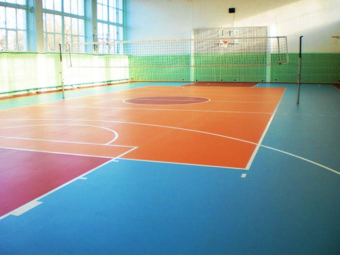 Напольные покрытия в спортзале должны быть надежными