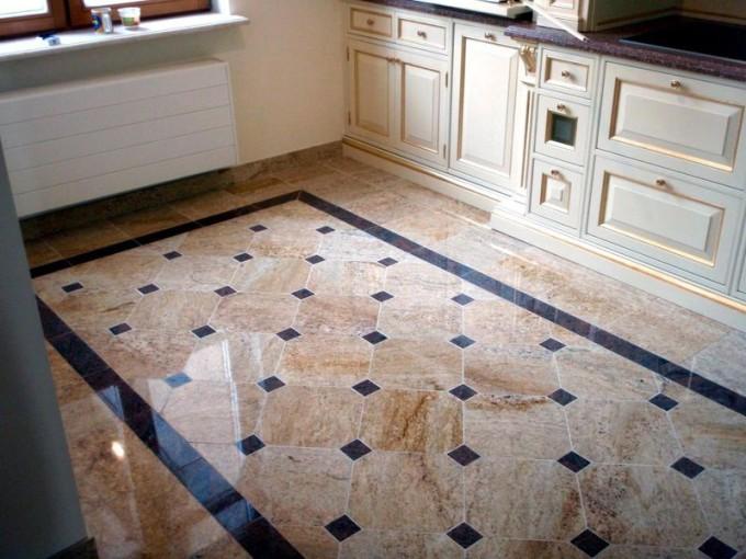 Для кухни можно применить виниловую, керамическую, стеклянную плитку или камень