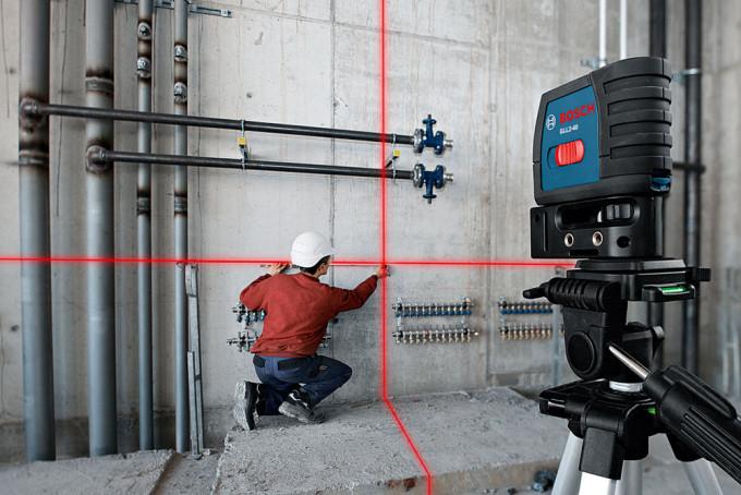 Лазерный уровень Bosch в работе